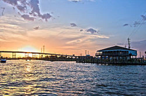 250px-Sunset_Over_Kemah_Bridge.jpg